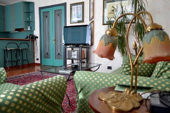 Residence Jecna: New LCD TV