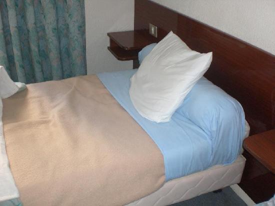 Hotel Galilee et Windsor : Les lits pas terrible non plus !