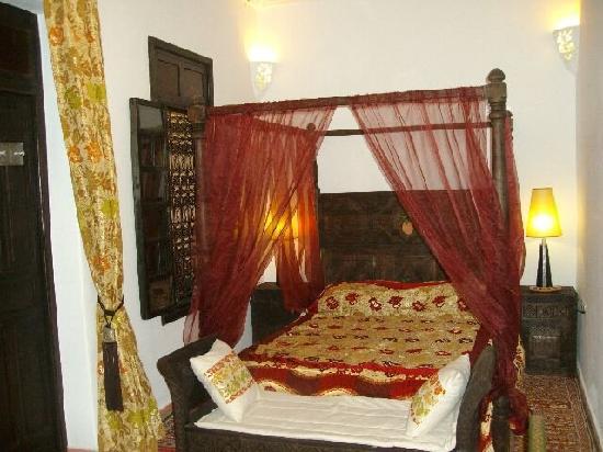 Riad Des Orangers : le lit promettant un doux voyage au pays des rêves !