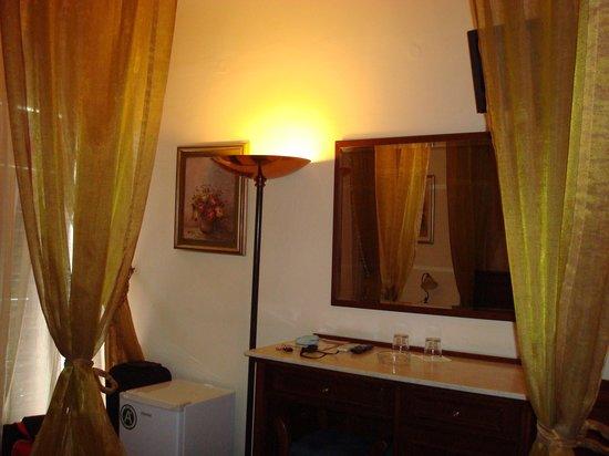 Helena Hotel: The room 3