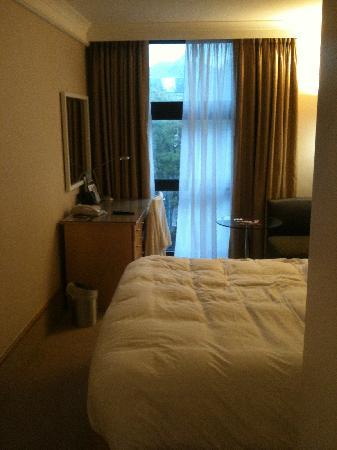Hilton London Kensington: Room