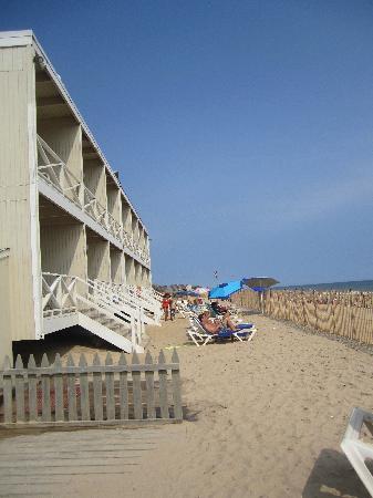 bedroom picture of royal atlantic beach resorts montauk. Black Bedroom Furniture Sets. Home Design Ideas
