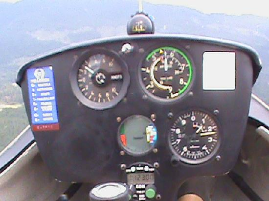Vancouver Island Soaring Centre: Listening for the joyful high pitched beep of the variometer, showing lift!