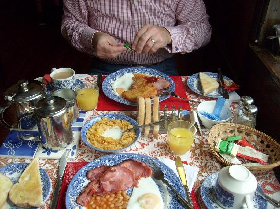 Carousel Guest House: full English Breakfast