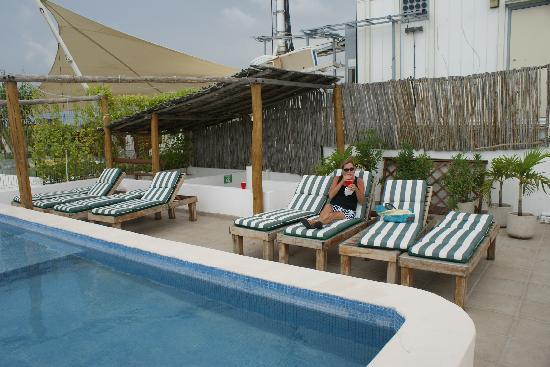 Blue Pearl Suites: Rooftop Pool