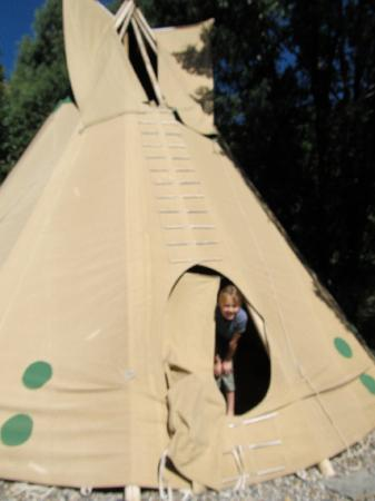 Country Sunshine Bed and Breakfast: teepee