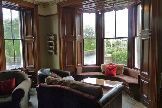 Kilmarnock Arms Hotel: Lobby/Reading area