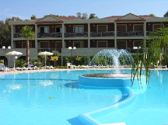 Villaggio Turistico Akiris: ZONA HOTEL E PISCINA