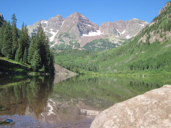 ‪‪Colorado‬: Maroon Bells lake‬