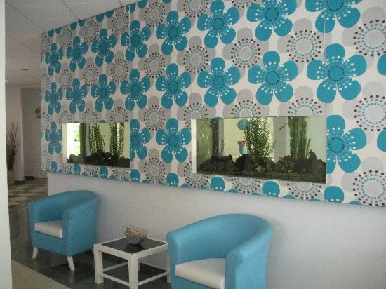 smartline Lantiana Gardens: The reception