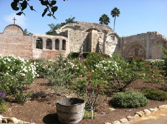 San Juan Capistrano, CA: The mission bells - TACO Bell has NOTHING on these!