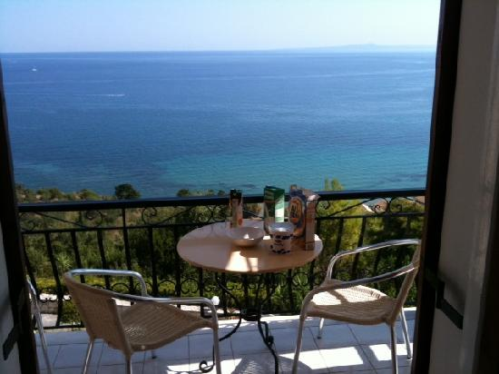 Villa Contessa: Breakfast on the balcony. Good times... ;)