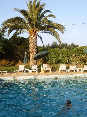Parque Monte Verde Apartments: Swimming pool 2