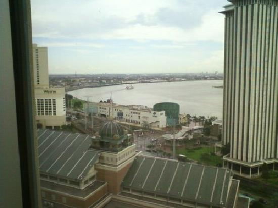 Harrah's New Orleans : River View from our room