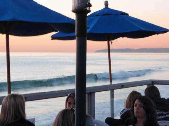 Villa Del Mar: Sunset and Happy hour on the pier