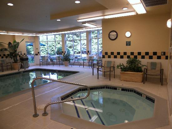 Hilton Garden Inn Portland Beaverton: Pool Images