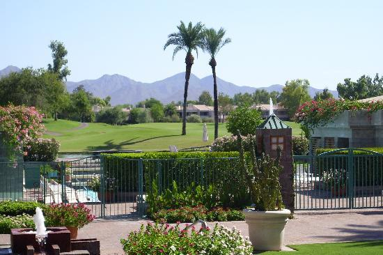 Hyatt Regency Scottsdale Resort and Spa at Gainey Ranch: Beautiful View of Mcdowel Mountains