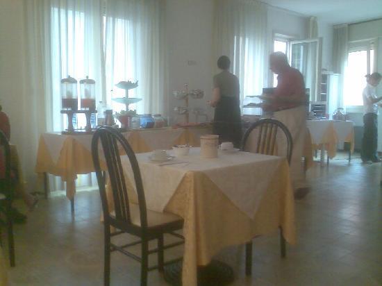 Aurora Hotel: Sala colazione