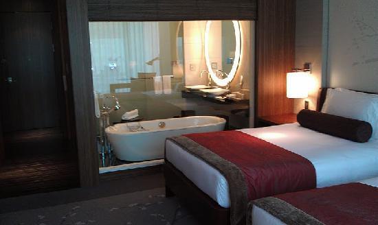 Conrad Tokyo: Twin Room