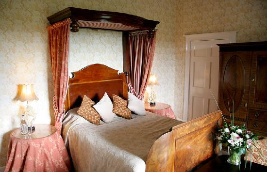 Sweeney Hall Hotel: Our lovely room