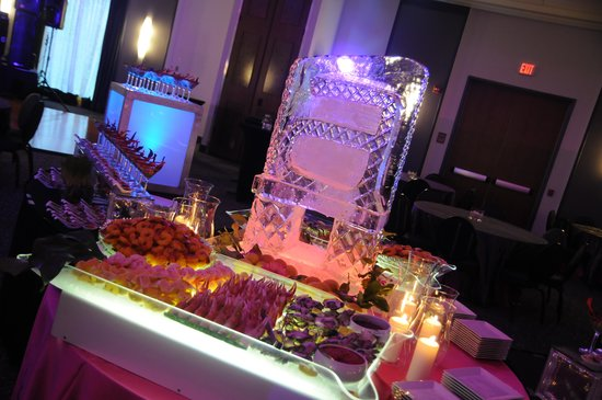 Aloft Mount Laurel Weddings Events
