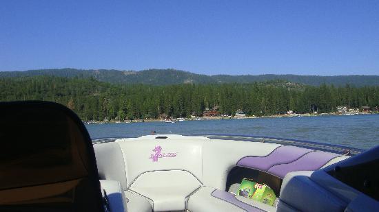 Bass Lake, Kalifornien: On the lake
