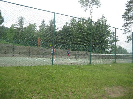 Giants Ridge Recreation Area: Tennis court