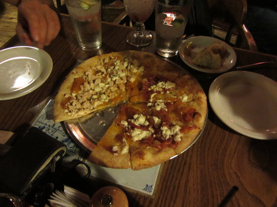 McGlinn's Public House: As pizza experts, customization to satisfy differing palates is easy.