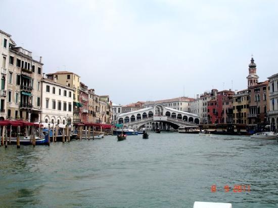 Canal Grande: Vieuw on Rialto bridge over the Grand Canal
