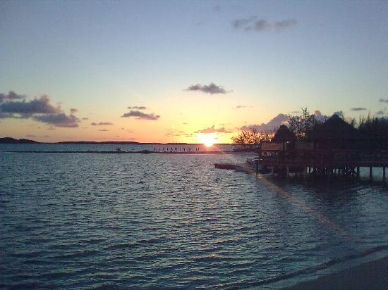 Augusta Bay Bahamas Restaurant Bar: Sunset from my room