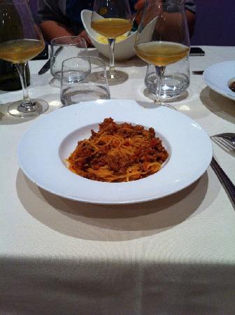 Neive, Italy: Tajarin al ragù di Salsiccia di Bra
