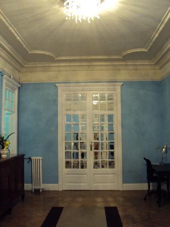 Hostel Duo: Hallway