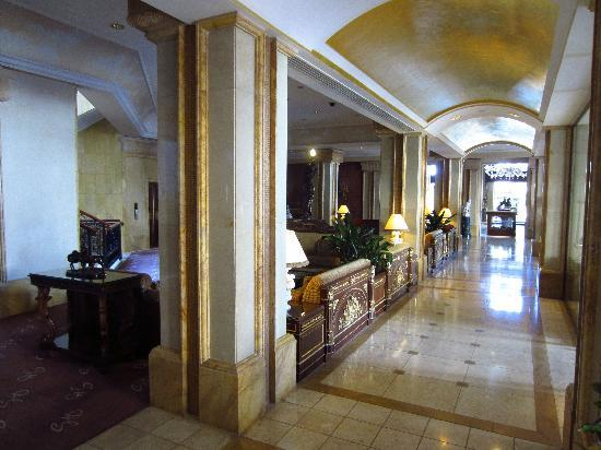 Grand Hills, a Luxury Collection Hotel & Spa: Lobby Area