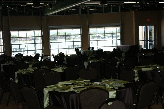 Granbury Resort Conference Center: Tables being set up for reception