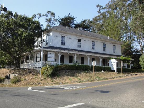The Olema Inn & Restaurant: Front/side view