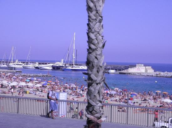 NH Sant Boi : Lovely Beaches