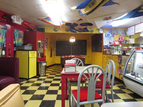 Humble Pie Pizzaria: interior