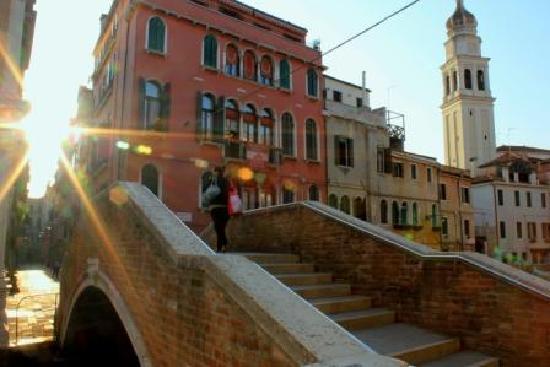 Morning at Palazzo Schiavoni