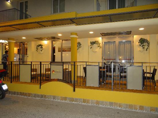Hotel Estense: By night...