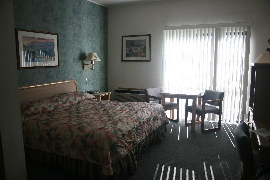 Timber Lodge Inn: Room