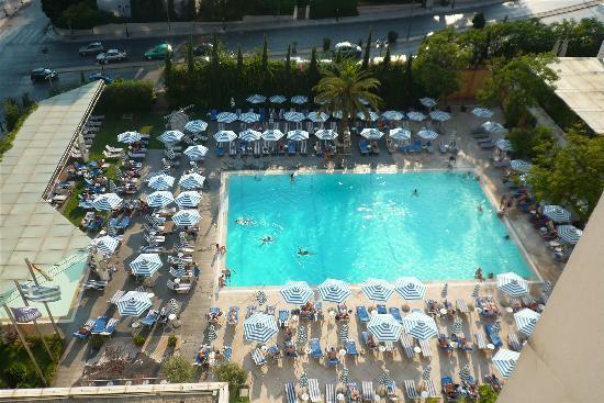 ฮิลตัน เอเธนส์ โฮเต็ล: the pool