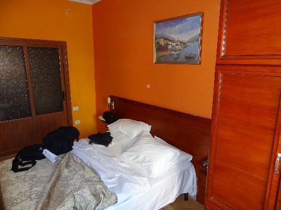 Hotel Nobel: Zimmer