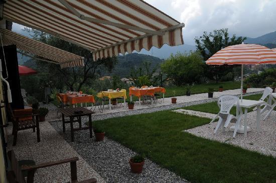 La Collina Verde: The outside area