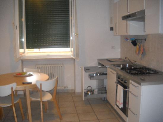 Verona Inn: the soggiorno/kitchen