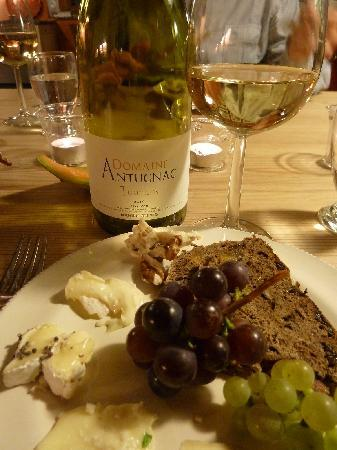 Kasteelhoeve de Kerckhem - Boutique Hotel: cheese and wine