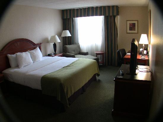 Comfort Inn & Suites Pittsburgh Allegheny Valley: Nice upgraded rooms