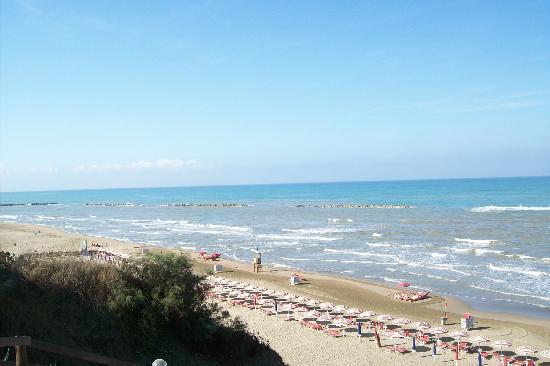 Matrimonio Spiaggia Anzio : La spiaggia foto di hotel villa marina anzio tripadvisor