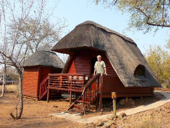 Tsakane Safari Camp: the hut
