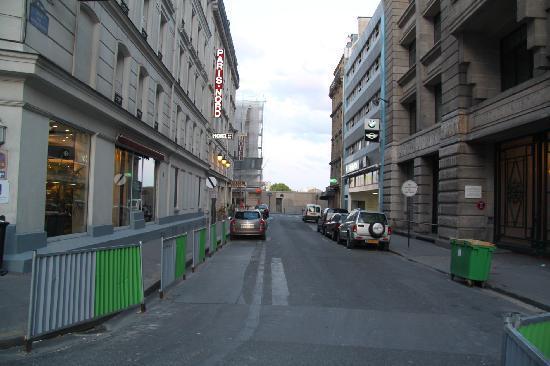 Hotel Paris Nord: Diese hohle Gasse sollt Ihr meiden!