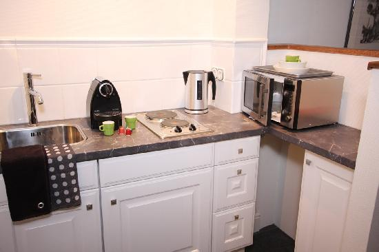 Bed & Breakfast De Vossenpoort: kitchenette